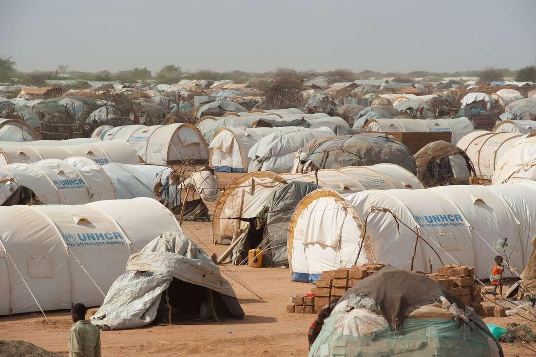 Kenya revises refugee camp closure to June 2022