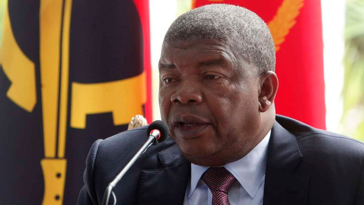 Angolan President sacks minister, head of security service